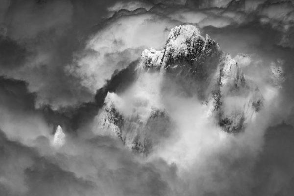 Photo montagne noir et blanc - Paysage de montagne