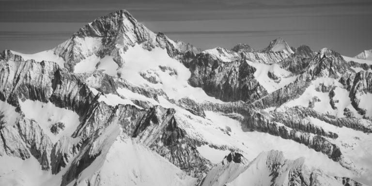 Aletschhorn et Alpes bernoises noir et blanc - Photo des sommets Alpes et des massif montagneux de Suisse