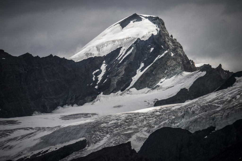 Allalinhorn - Photo des sommets de montagne de Zermatt dans les Alpes Valaisannes en Suisse