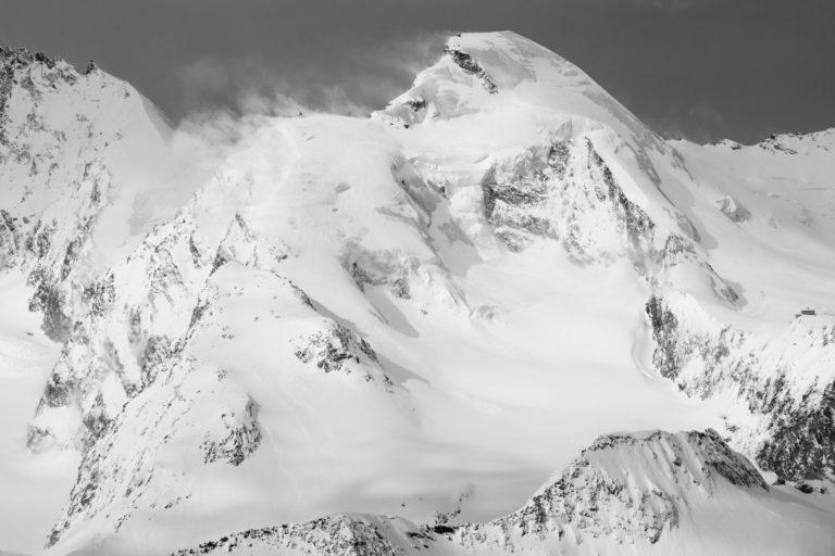 Allalinhorn - Image noir et blanc de massif montagneux des plus beaux sommets des Alpes Suisses