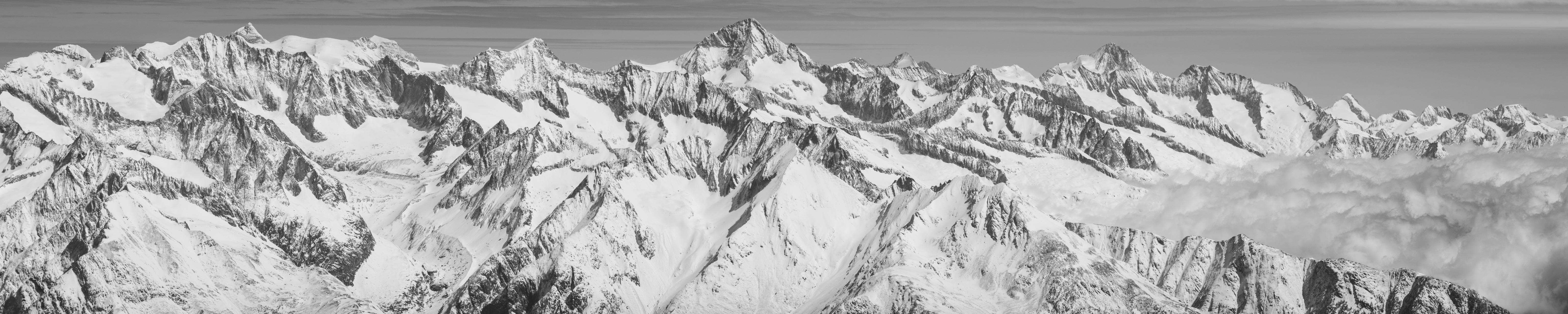 Alpes Bernoises panorama - Tableau photo noir et blanc de montagne dans la brune et une mer de nuages