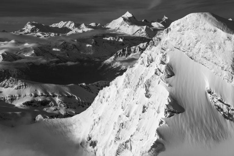Photos de montagnes au printemps dans les Alpes suisses et Alpes Bernoises