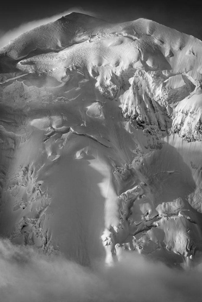 face nord balmhorn alpes bernoises - Image noir et blanc des glaciers de montagne de Balmhorn depuis Kandersteg et Frutigen