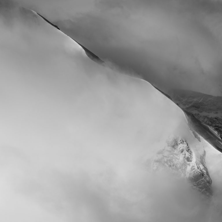 Image Montagne St Moritz - photo noir et blanc Alpes Suisses