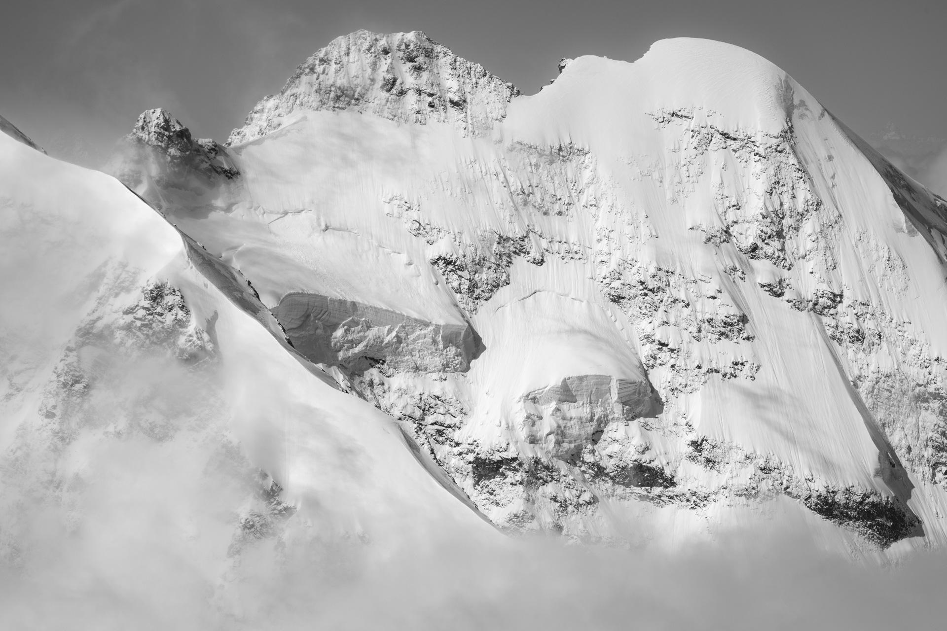 Photo aérienne Engadine Suisse - image noir et blanc des Alpes suisses Biancograt - Roseg