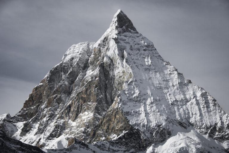Pic de la montagne du Mont Cervin - Sommet de massif montagneux dans les Alpes