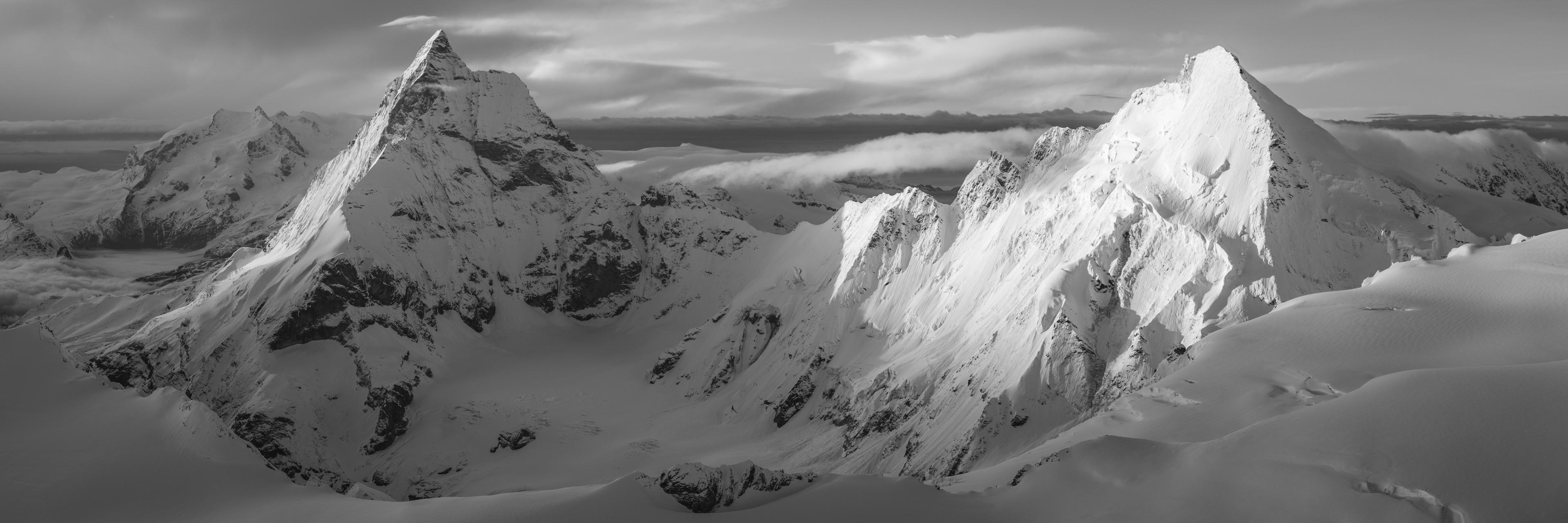 Image montagne hiver - Monte Rosa- Glaciers des alpes noir et blanc