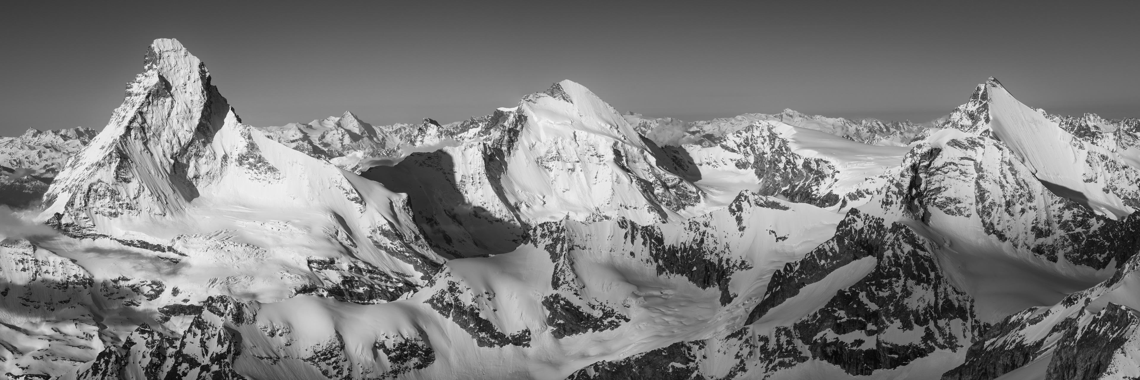 Vue panoramique Mont Cervin dent d'Hérens