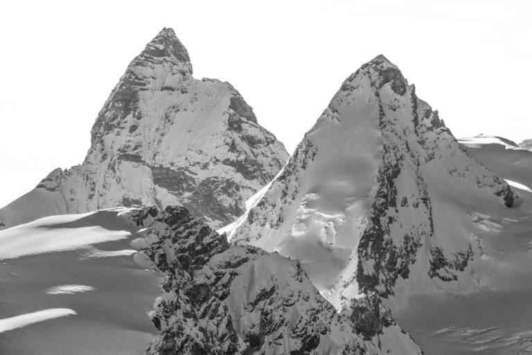 The Matterhorn und The Dent d'Hérens - Bild der Crans-Montana-Berge Verbier in den Alpen in der Schweiz