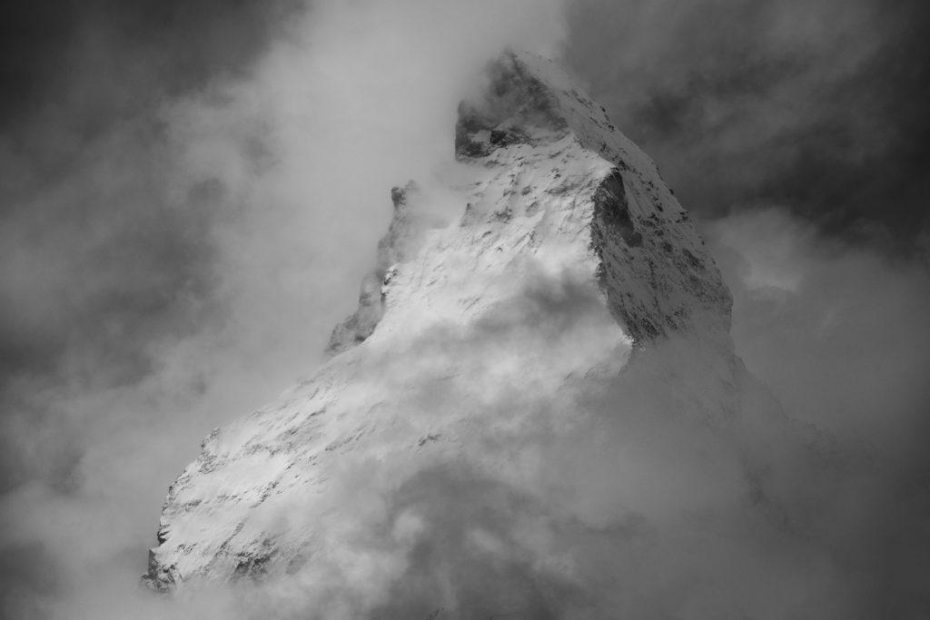 Mont cervin matterhorn photo montagne en noir et blanc depuis Riffelberg