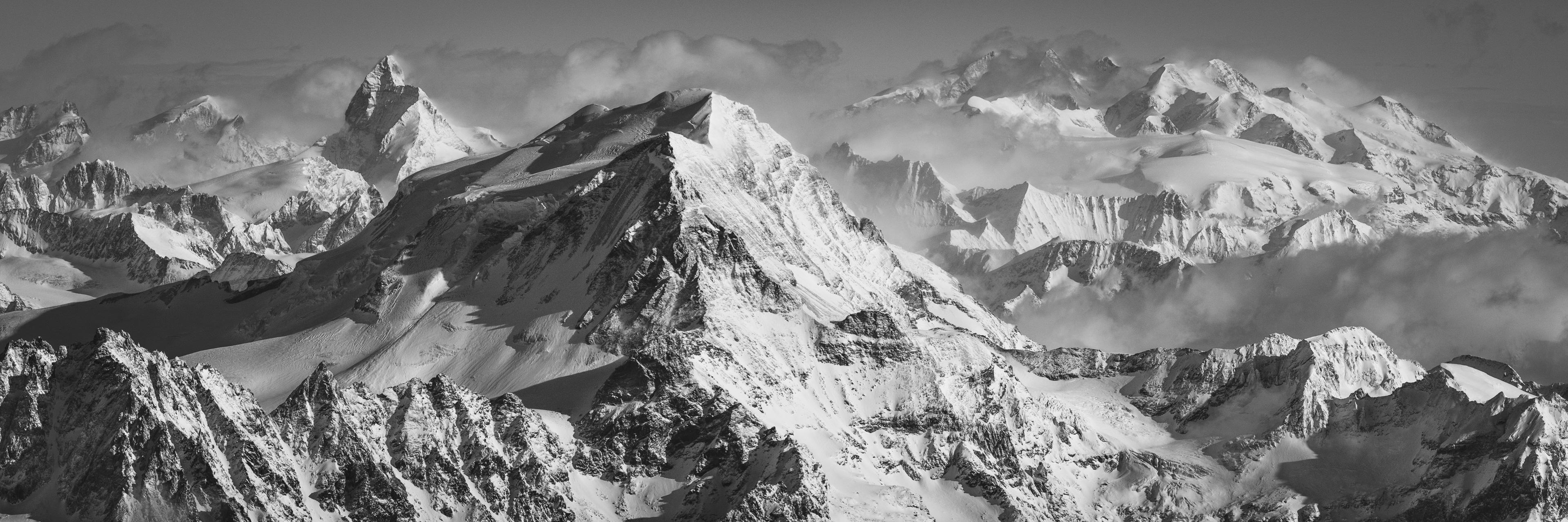 Mont Rose - Mont Cervin - Combin - photo panoramique massif des Alpes suisses et des massif montagneux