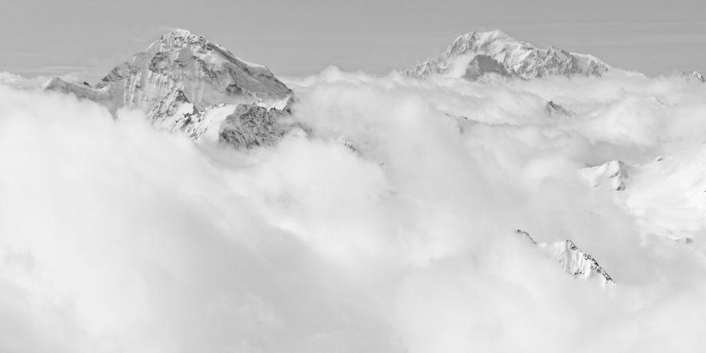 Panorama massif mont blanc Combin - vol panoramique mont blanc dans les nuages