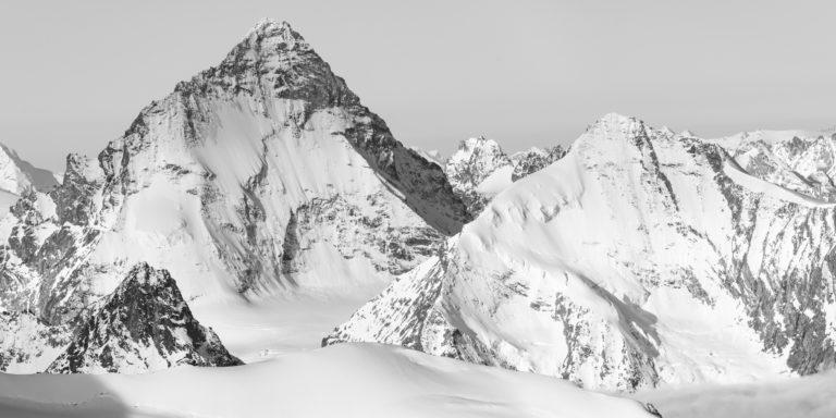 Dent Blanche - Grand Cornier - Photo de sommet de montagne Suisse en noir et blanc dans les Alpes depuis le Val d'Anniviers