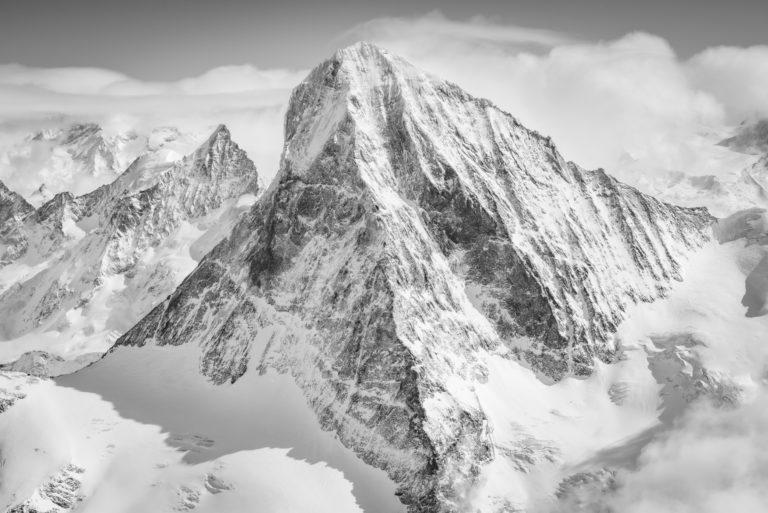 Dent Blanche - Obergabelhorn - arete de montagne en noir et blanc