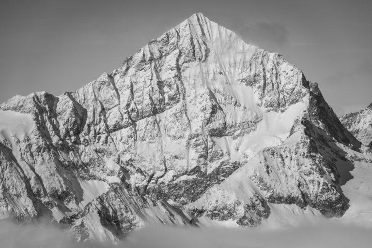 image de montagne a imprimer en noir et blanc - Dent Blanche Zermatt dans les nuages