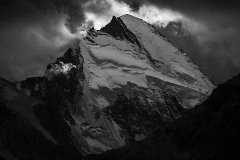 Val d hérens - Dent d'Hérens - photo de montagne - Vue de Zermatt
