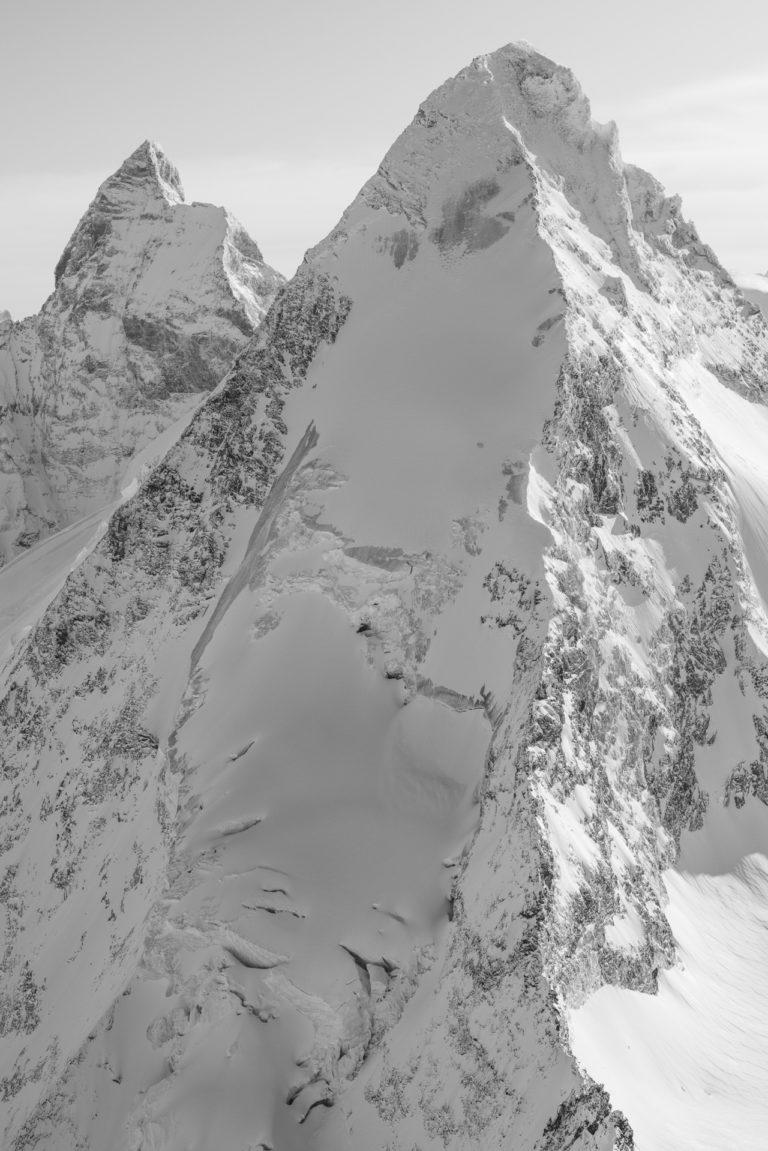 Cervin Val d'Hérens - Photo noir et blanc des montagnes Alpines de Zermatt dans le Valais
