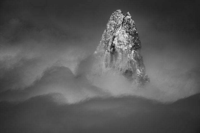 Dent du Géant - Brouillard de montagne et mer de nuages depuis l'aiguille du midi