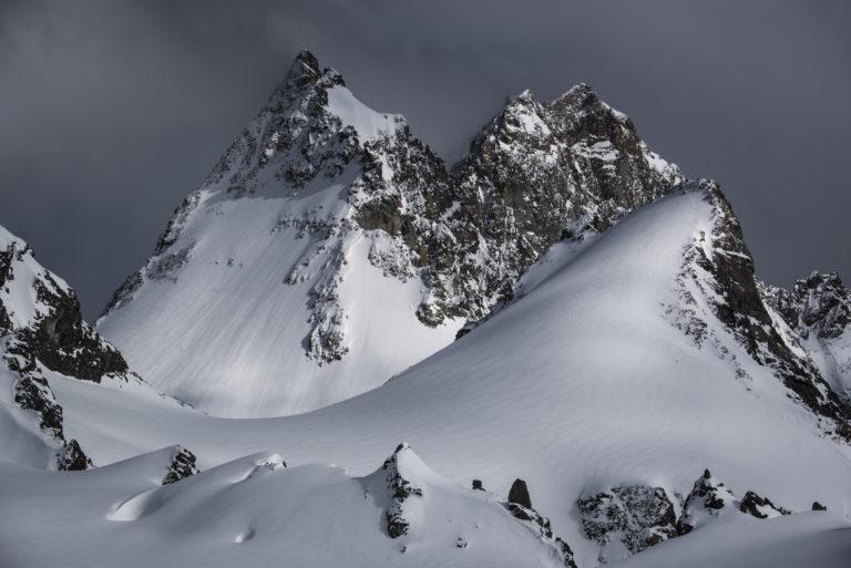 Dents de Bertol - image de montagne en neige et des pistes de ski d'Arolla et Crans Montana dans les Alpes Valaisannes en Suisse