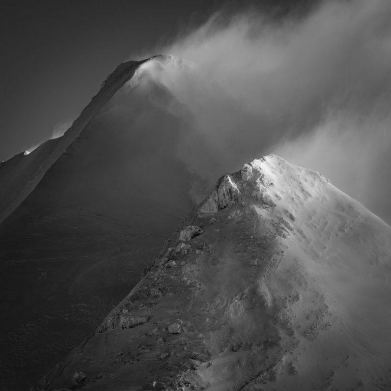 Doldenhorn - Sommet des alpes bernoises en noir et blanc