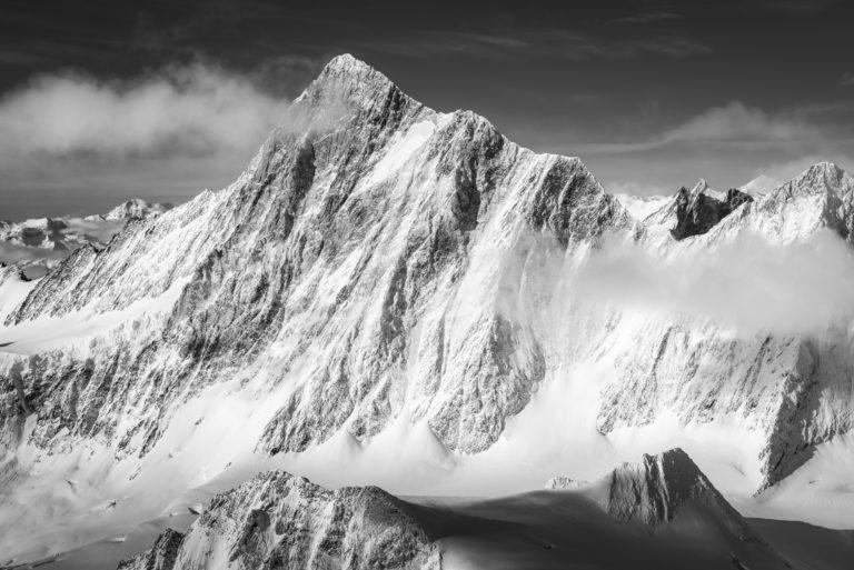 Finsteraarhorn - photo hd montagne prise par un photographe de Montagne dans les Alpes suisses
