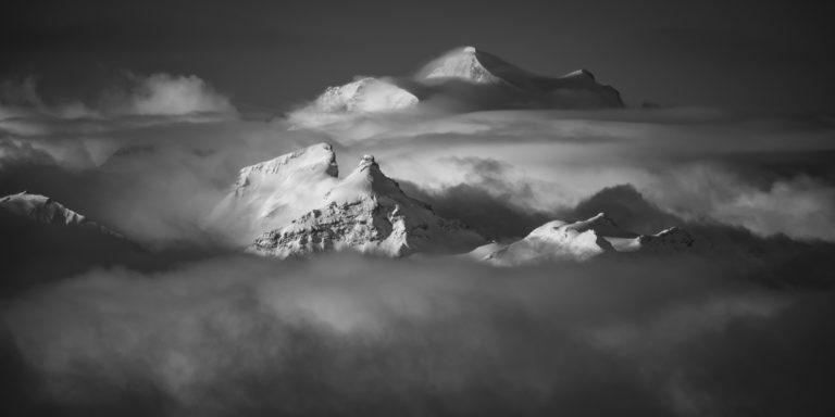 Bergpanorama - Schwarz-Weiß-Foto zum Einrahmen von Grand Combin - Le Pleureur - La Sâle