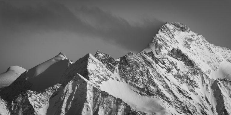 tableau photo noir et blanc de montagne à encadrer pour déco d'intérieur - Grand Cornier et sommets du val d'Hérens - Tsa de l'Ano, les Pointes de Mourti et Pointe de Bricola.