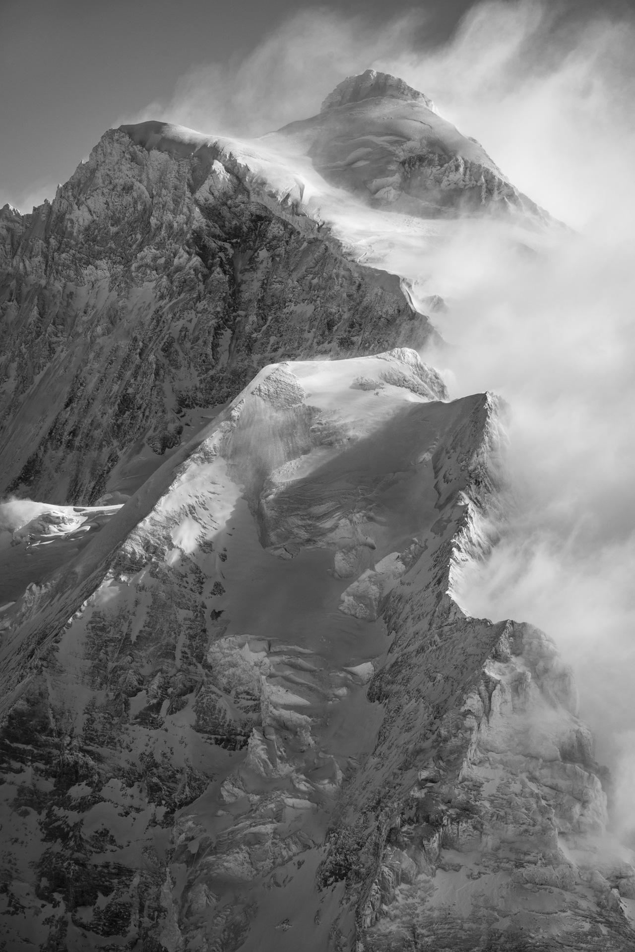 photo Jungfrau - montagne suisse - photo noir et blanc
