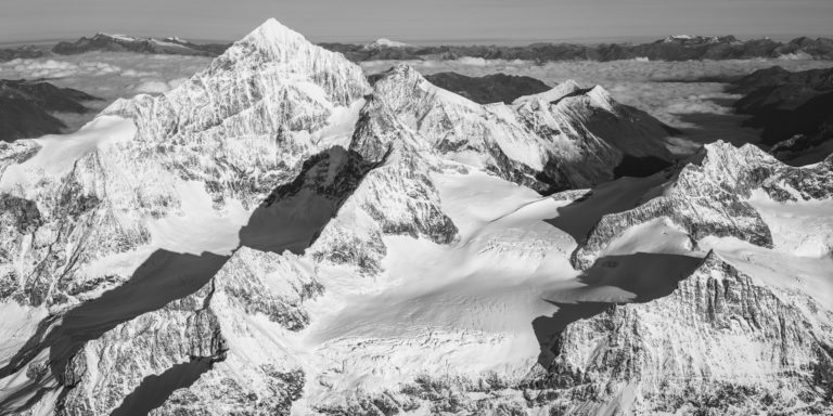 La Dent Blanche - image montagne hiver avec Jeu d'ombre et de lumière en