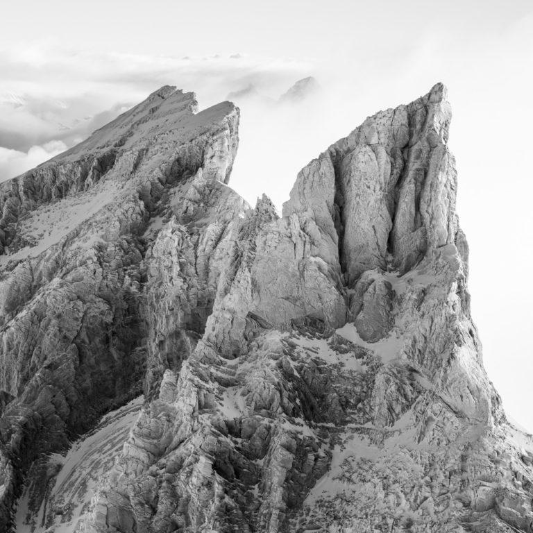 Cadre photo montagne noir et blanc - La Dent Jaune et les bernoises