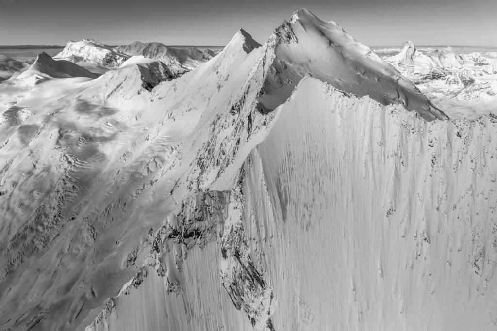 Dom des Mischabels et Lenzspitze - image paysage montagne neige Monte Rosa - Mont Cervin