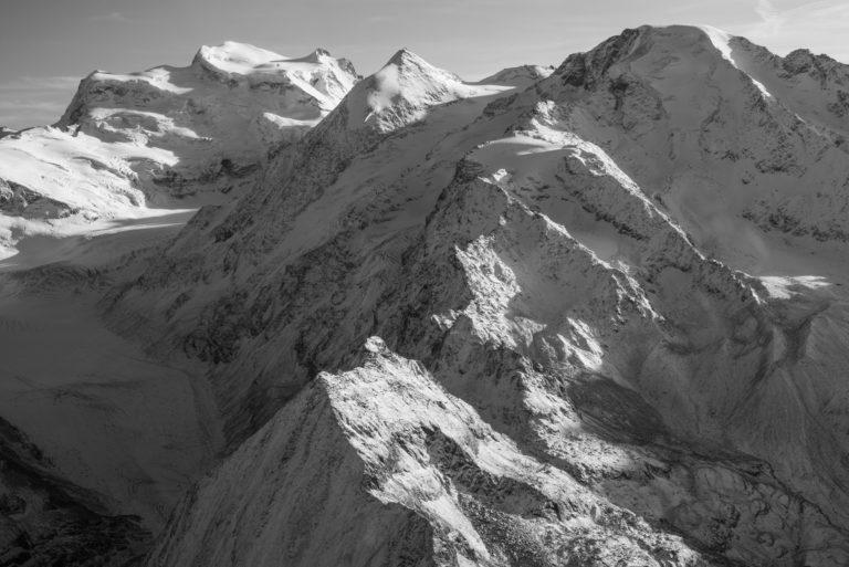 Les Combins - Landschaftsfoto der Alpen Berge von Crans Montana Schweiz