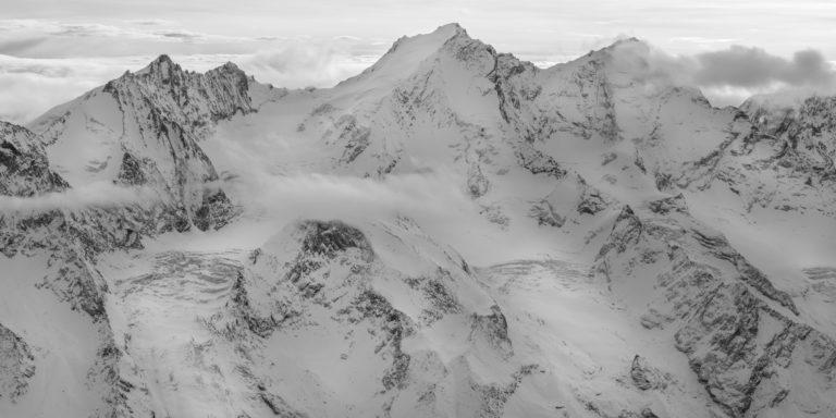 Photo panoramique des montagnes de Zermatt et glaciers des Alpes - Dom des Mischabels - Voie normale - Domhütte