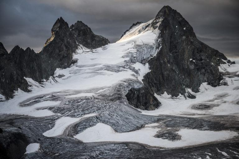 L'Evêque - Fonte des neiges en montagne l'été dans les Alpes Valaisannes de Crans Montana - Val d'Hérens