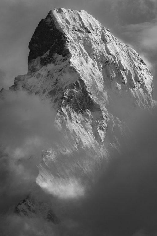 Mont Cervin - Matterhorn Zermatt- Encadrement photo bois du Cervin dans les Alpes du Valais en Suisse