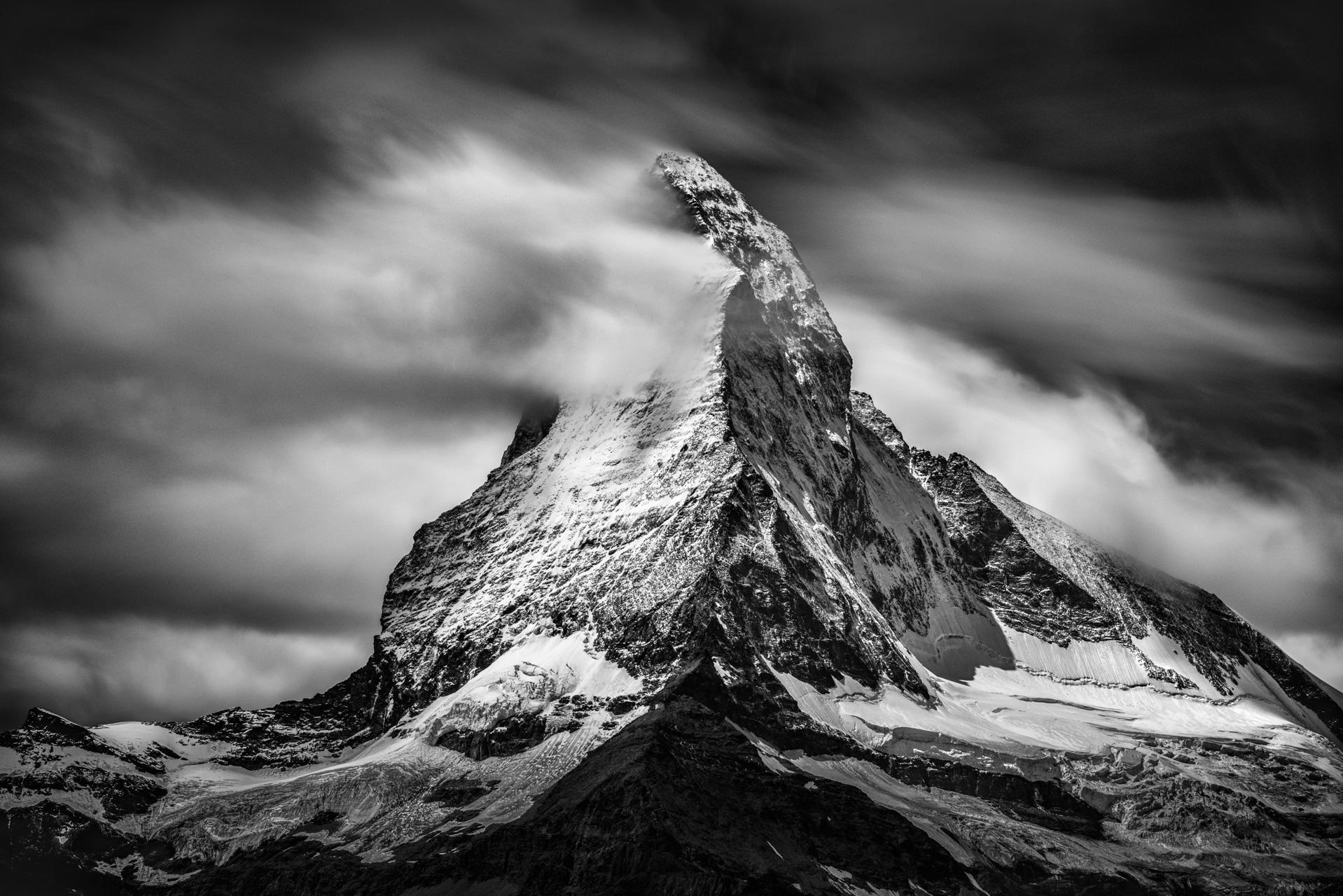 photo de montagne noir et blanc - photographie du Cervin - Photo valais suisse - Mont Cervin - zermatt Matterhorn