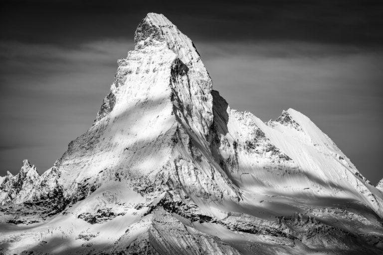 Matterhorn Zebra - belle photo de montagne enneigée dans les Alpes Suisses du canton du Valais
