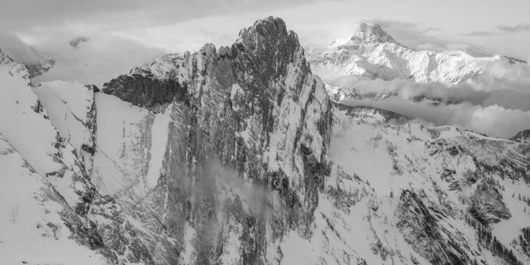 Miroir d'Argentine - Dents du Midi - Panorama montagne suisse dans une mer de nuages