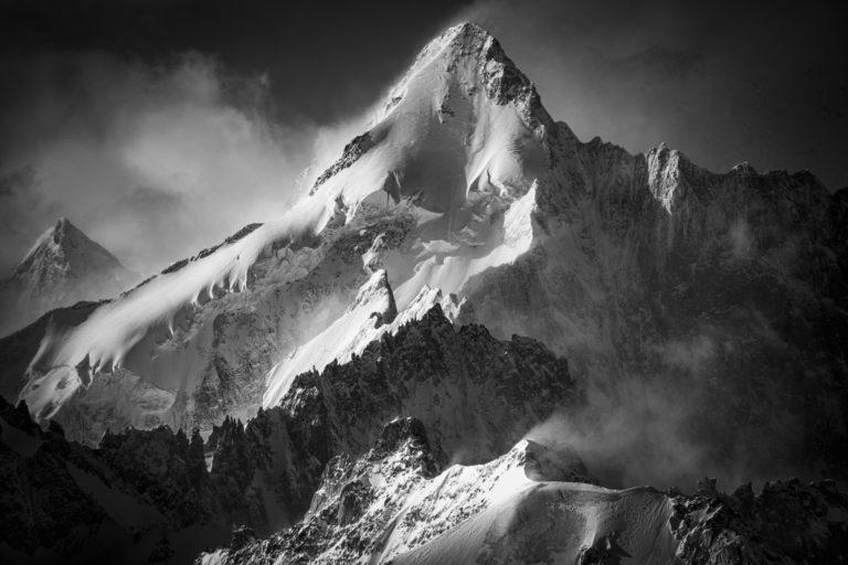 photo montagne noir et blanc neige verbier