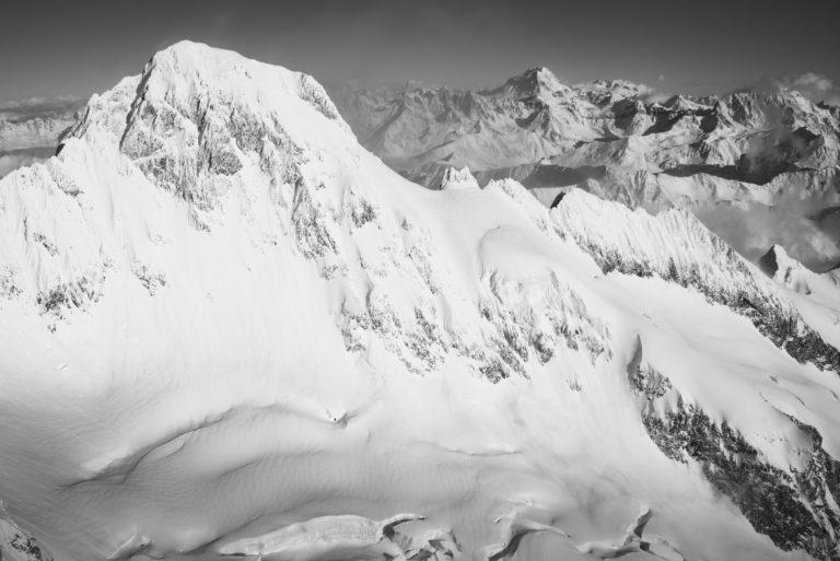 Mont Dolent - photo noir et blanc montagne suisse et d'un glacier de montagne - Grand Combin et verbier