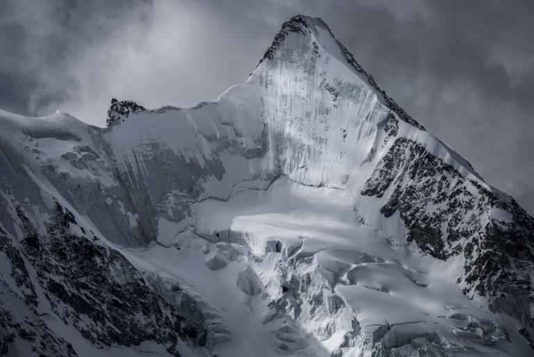Obergabelhorn - photo de paysage de montagne - Val d'Anniviers Crans-Montana