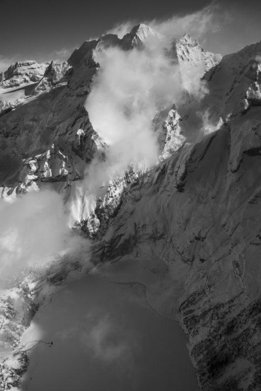Oeschinensee - Montagne hiver photo - Encadrer une photo de montagne noir et blanc pour un chalet