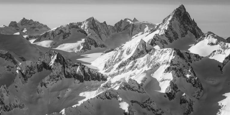 Panorama montagne - encadrement tableau photo noir et blanc de montagne Suisse et des Alpes Bernoises