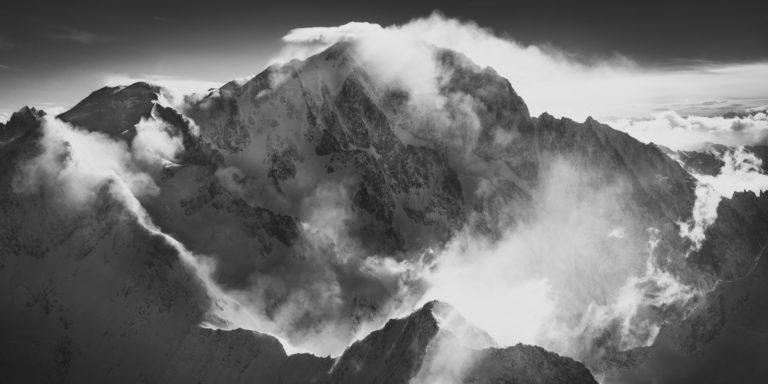 Mont Blanc Genève - Panorama du Mont-Blanc prise en vue aérienne en Hélicoptère dans les Alpes - Dômes de Miage et Bionnassay