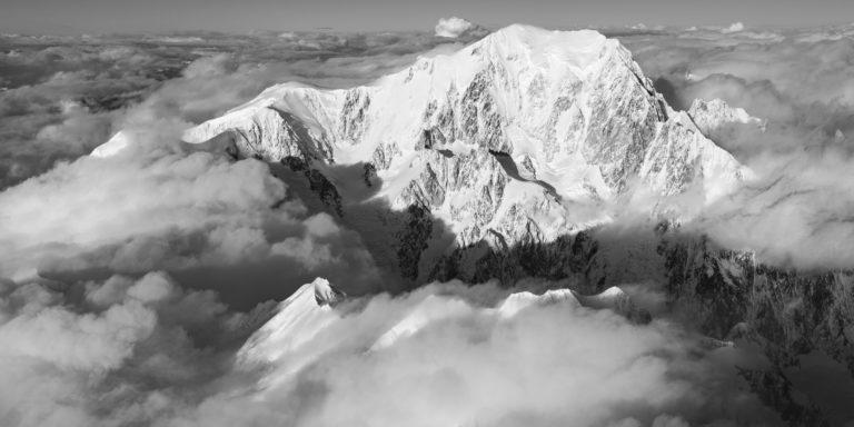Panorama mont-blanc noir et blanc