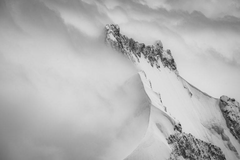 Piz Bernina photo montagne - Image des alpes suisses vues du ciel en hélicoptère