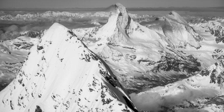 image de montagne du Mont Cervin Täschhorn et de la dent d'Hérens