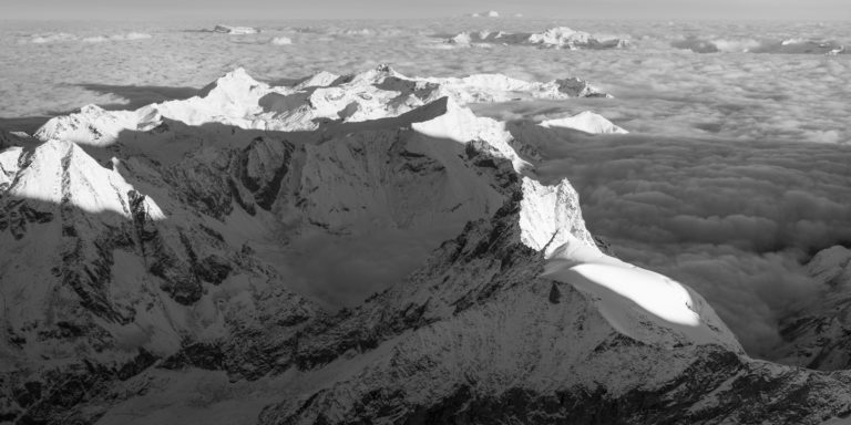 Panorama montagne suisse val d anniviers - Sommet de montagne noir et blanc