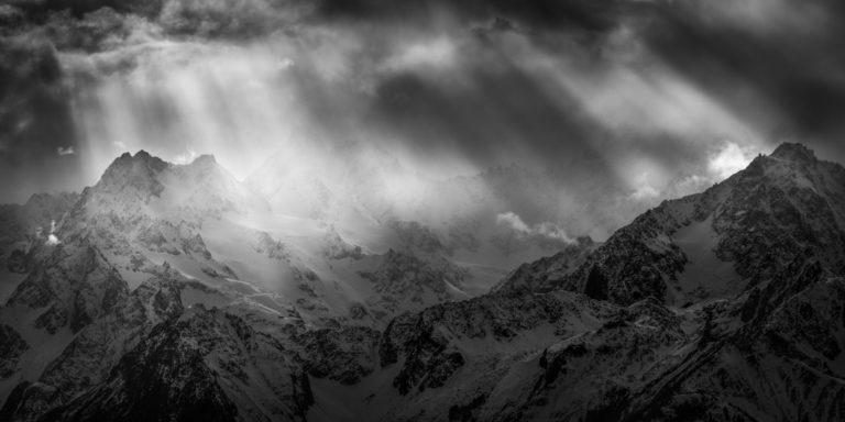 Photo de montagne du Val de bagnes suisse