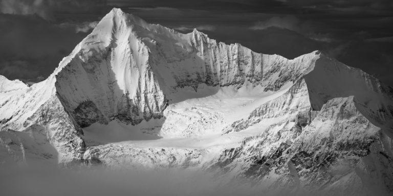 Weisshorn - Panorama des montagnes enneigées de l'arête Nord - Grand Gendarme - Voie Normale - la Schaligrat.